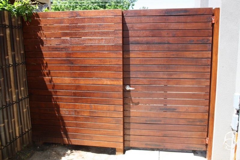 timber fence & gate