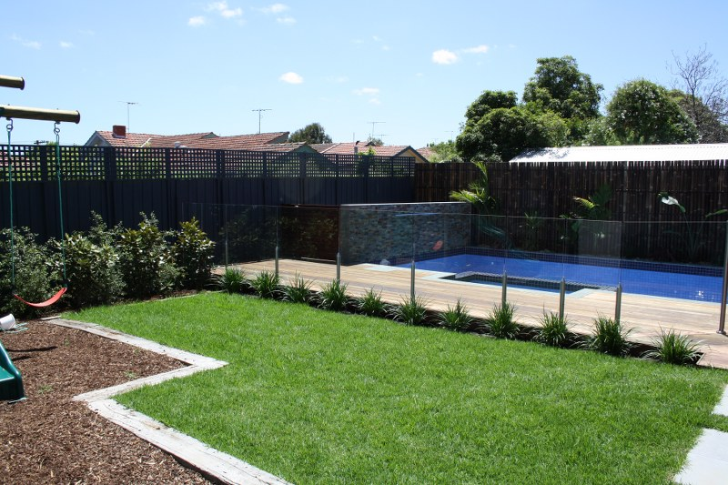 Glass pool fencing - Pool fence landscaping ideas ...