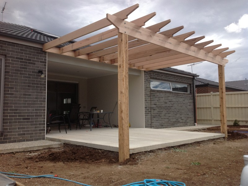 how to build a timber deck and pergola