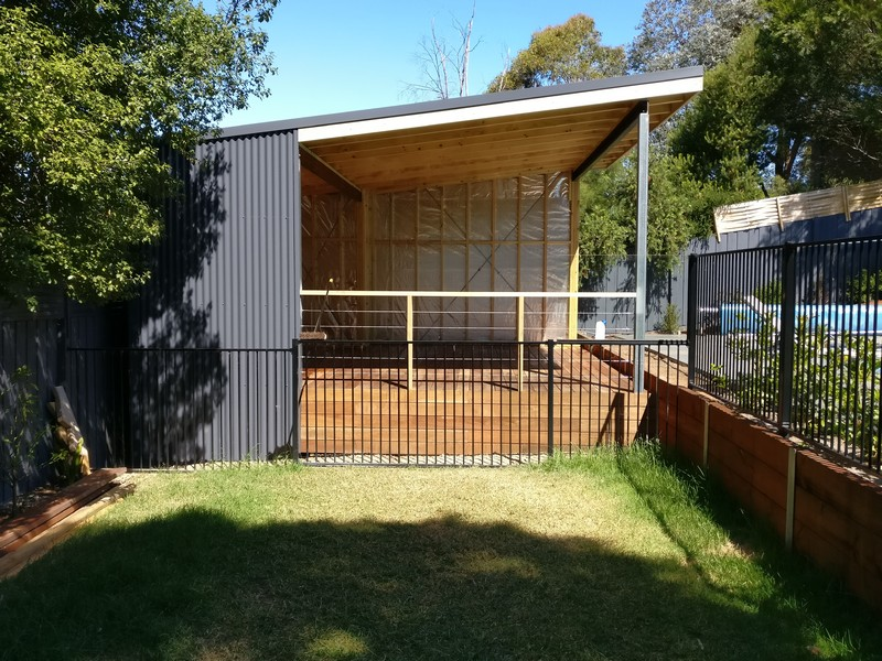 flat roof deck & pool house